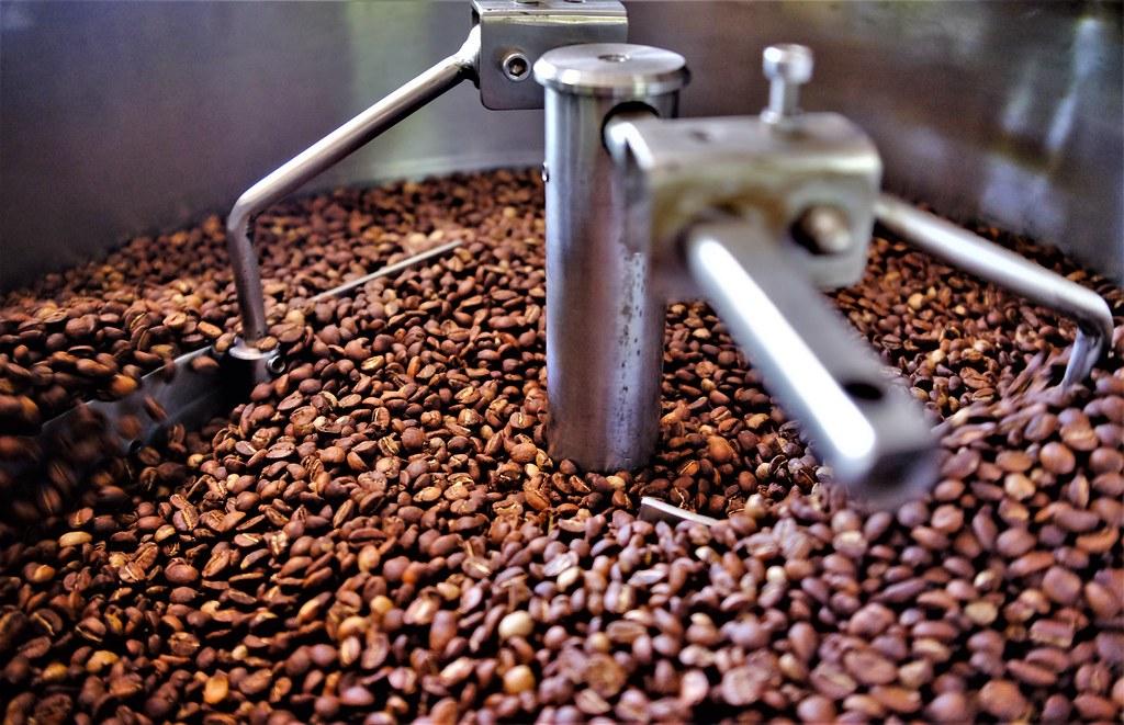 Pražení kávy pěkně krok po kroku